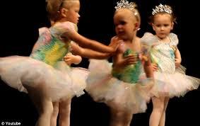 ballerinas pushing